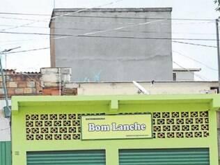Imóvel de Adriana Clarindo de Souza, irmã de Carlão, usado como sede de empresa de lanche, nunca abriu as portas