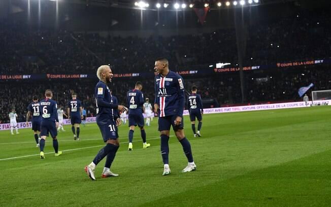 PSG goleia Saint-Étienne por 6 a 1 pelas quartas de final da Copa da Liga Francesa