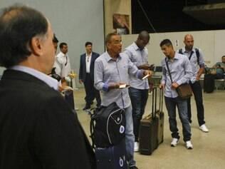 Supervisor de futebol Benecy Queiroz organizou a delegação em Confins