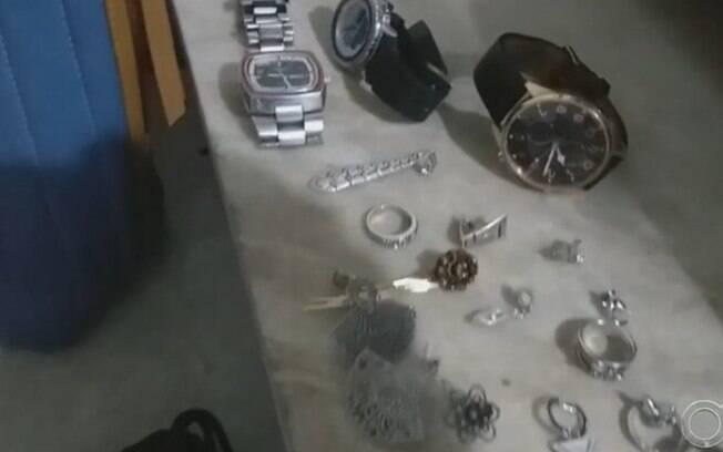 Casal suspeito de aliciar jovens para furtos em condomínios de luxo é preso