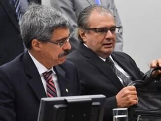 Engenheiro Pedro Barusco (à direita), ex-gerente da Petrobras e delator da operação Lava Jato, depõe na CPI