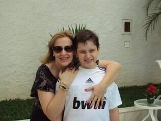 Sandra com o filho Enzo: milagre por unanimidade