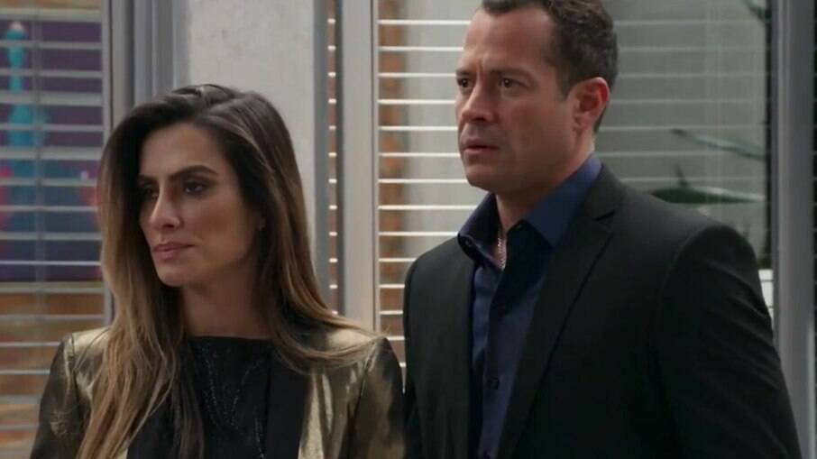 Apolo dá apoio a Tamara após piloto ser acusada de causar acidente