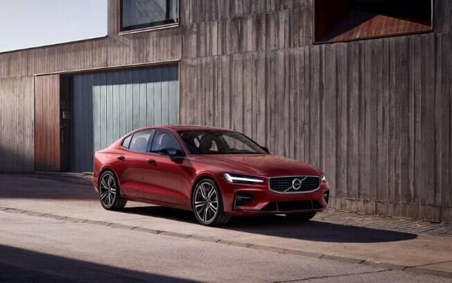 Volvo S60: O sedã concorrerá com os BMW Série 5, Audi A6 e Mercedes-Benz Classe E entre os principais rivais no País