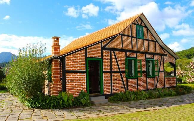Turismo em Pomerode: rota do enxaimel conta com casas construídas de um jeito diferente