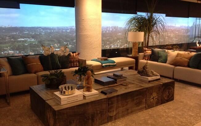 A arquiteta Cilene Monteiro Lupi assina o ambiente nomeado como Apartamento Alto de Pinheiros 067 Hermann Jr, que mostra a decoração de um imóvel real - com 290 m²