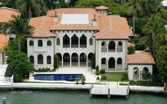 Mansão de Ricky Martin vendida em Miami Beach por R$ 20 milhões