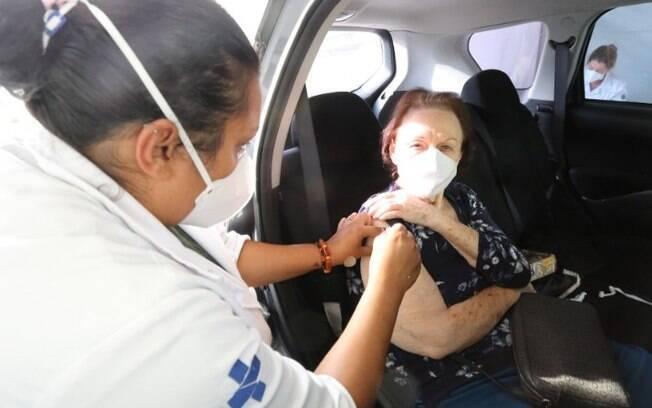 SP antecipa para sexta-feira vacinação contra covid em idosos de 72 a 74 anos