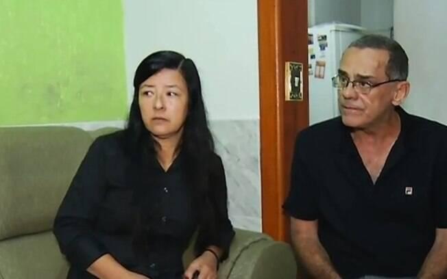 Maristher Fukuoka, de 56 anos, e o marido, Sebastião Mory, de 62, que sofre com dores no rim desde o começo do ano