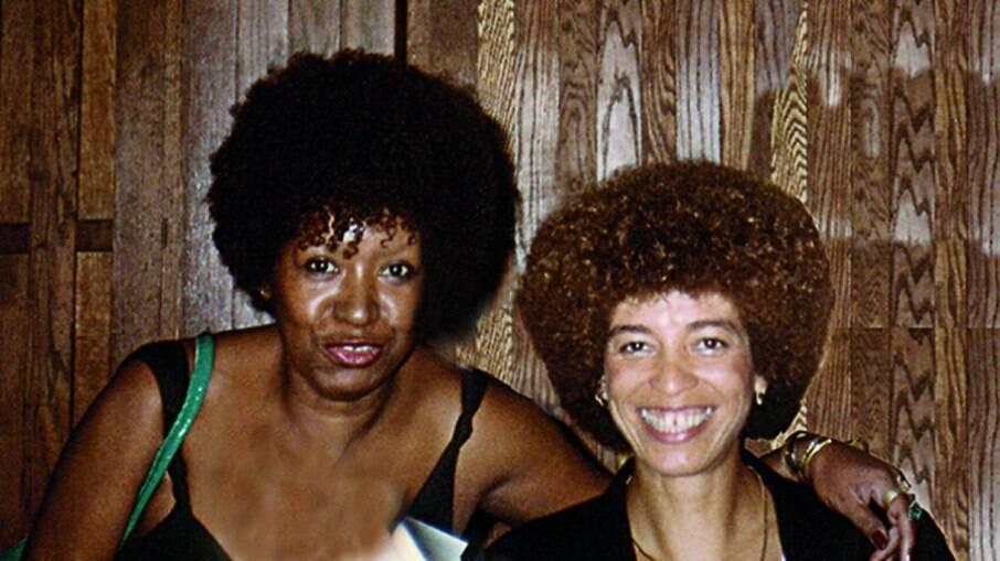Lélia Gonzalez e Angela Davis se conheciam; foto ilustra encontro das ativistas em 1984, nos Estados Unidos