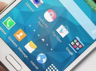 Galaxy S5 roda Android com interface TouchWiz