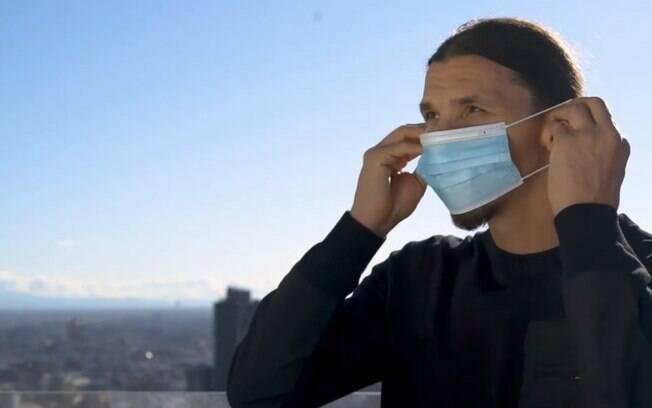 Ibra realiza campanha anti-covid-19: 'O vírus me desafiou e eu venci'