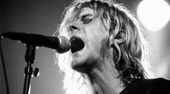 Mecha de cabelo de Kurt Cobain são leiloados por R$ 73,3 mil