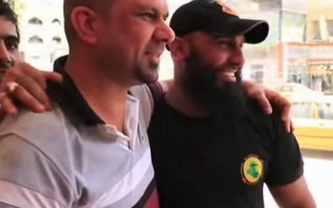 Abu Azrael é muito popular entre os iraquianos e ganhou status de celebridade. Foto: Reprodução/Youtube