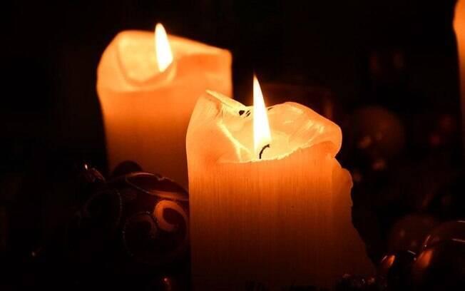 Confira diversas simpatias que fazem uso de velas