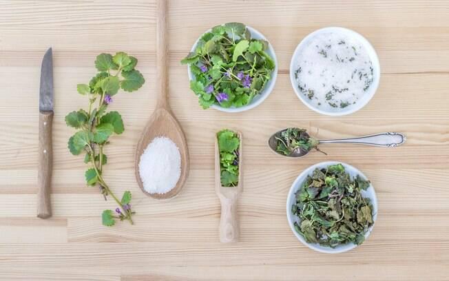 O sal de ervas é uma ótima opção para diminuir o sódio na alimentação