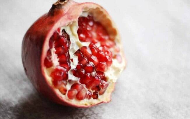 Rom: benefcios da fruta e receita especial para o Dia de Reis