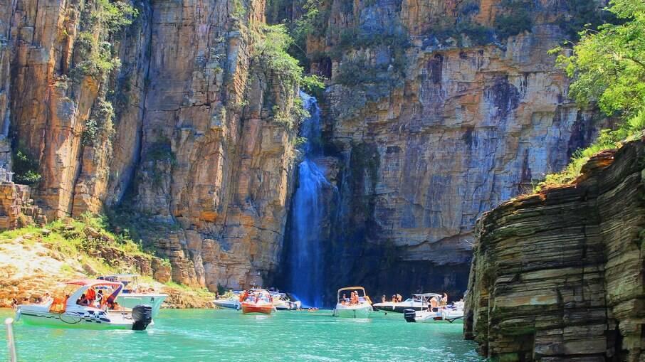 O Circuito Turístico Lago de Furnas é formado por 12 municípios e oferece opções de lazer como esportes náuticos e cachoeiras
