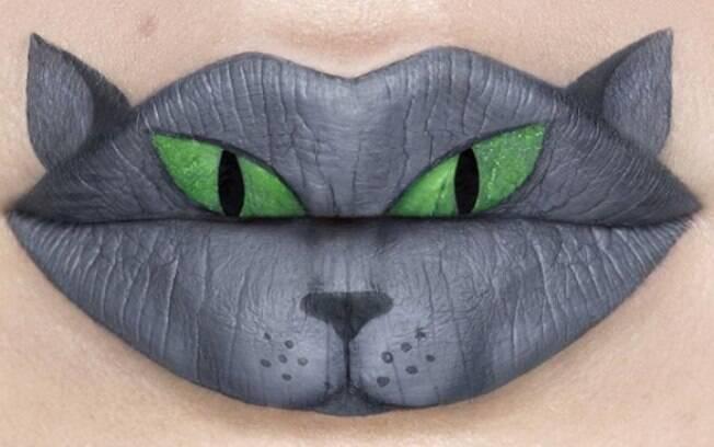 A artista canadense Andrea está chamando atenção nas redes sociais com pinturas nos lábios com maquiagem