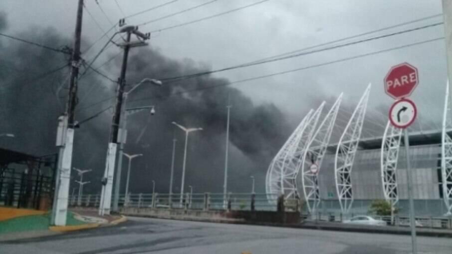 Cabine de rádio da Arena Castelão é atingida por incêndio