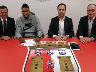 Zagueiro é apresentado no Braga e se diz muito feliz com novo desafio na carreira