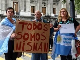 Argentinos vãos às ruas manifestar em homenagem ao procurador Alberto Nisman