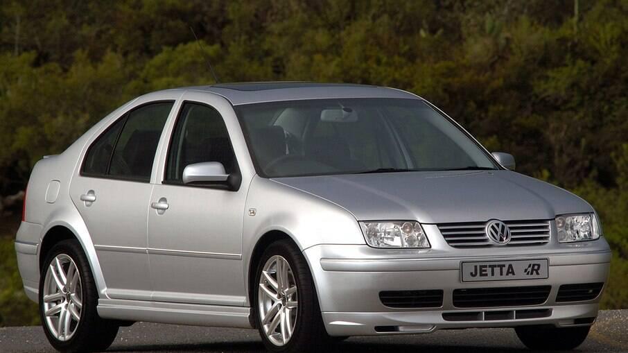 Volkswagen Jetta 1.8T:  há quem se lembre do Bora que foi lançado no Brasil, mas apenas com motor 2.0 aspirado