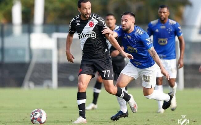 Globo comete gafe, não vê gol anulado do Vasco, troca placar e só descobre depois o empate do Cruzeiro