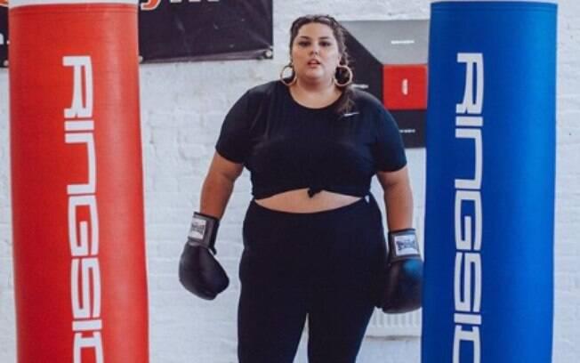Gordofobia: a modelo plus size Callie Thorpe recebeu críticas depois de posar para uma marca de artigos esportivos