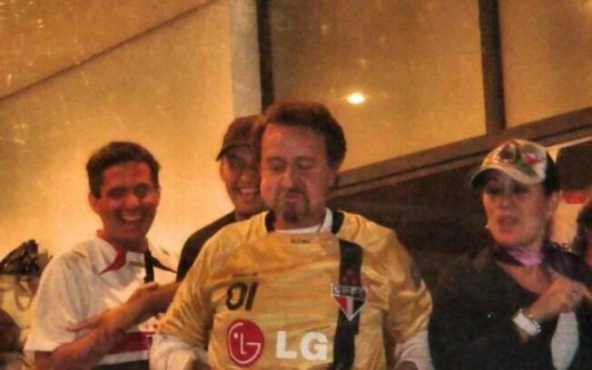 Carlos Villagrán com a camisa do São Paulo