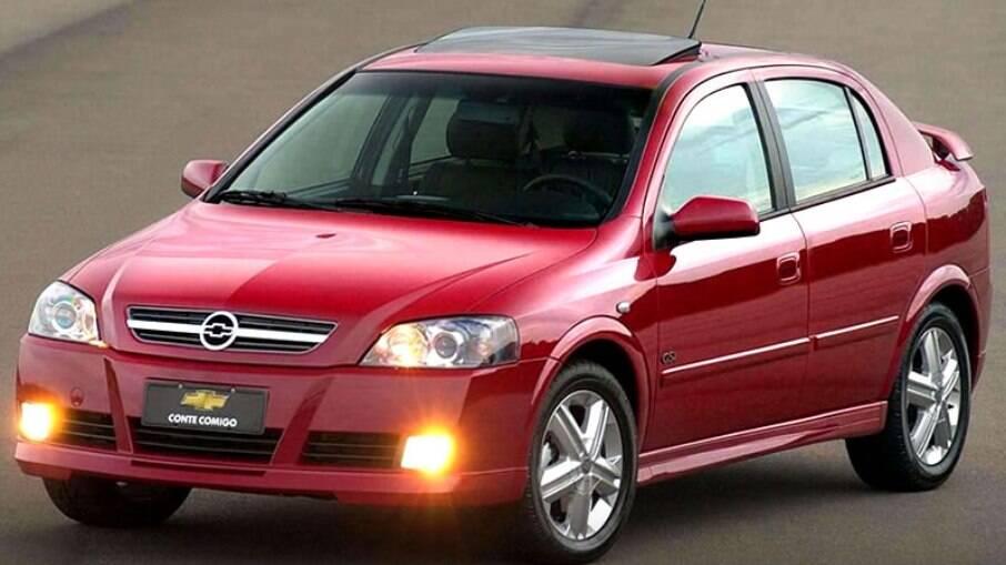 Chevrolet Astra foi um dos modelos produzidos pela General Motors com desenvolvimento da Opel no Brasil