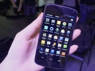 Aparelhos como o Nexus 4, com sistema Android, representaram 75% das vendas no primeiro trimestre, diz IDC