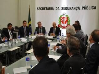 Representantes de clubes, da secretária de segurança pública e da polícia militar se reuniram em São Paulo nesta segunda