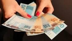 Aposentados recebem hoje a primeira parcela do 13º salário