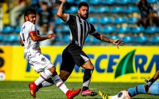 Rafael Sóbis em ação pelo Ceará