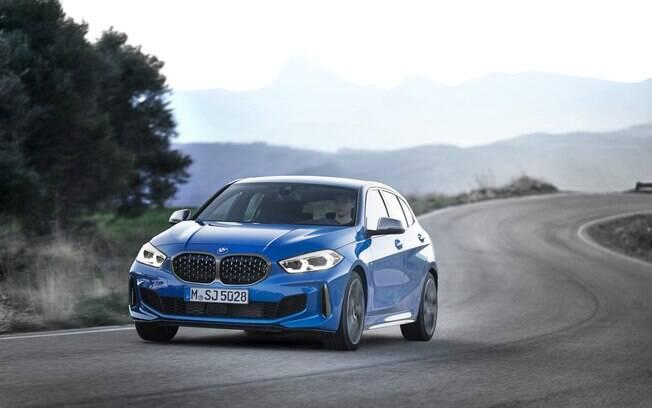 BMW M135i XDrive: esportivo é capaz de acelera de 0 a 100 km/h em apenas 4,9 segundos, conforme os números da fabricante