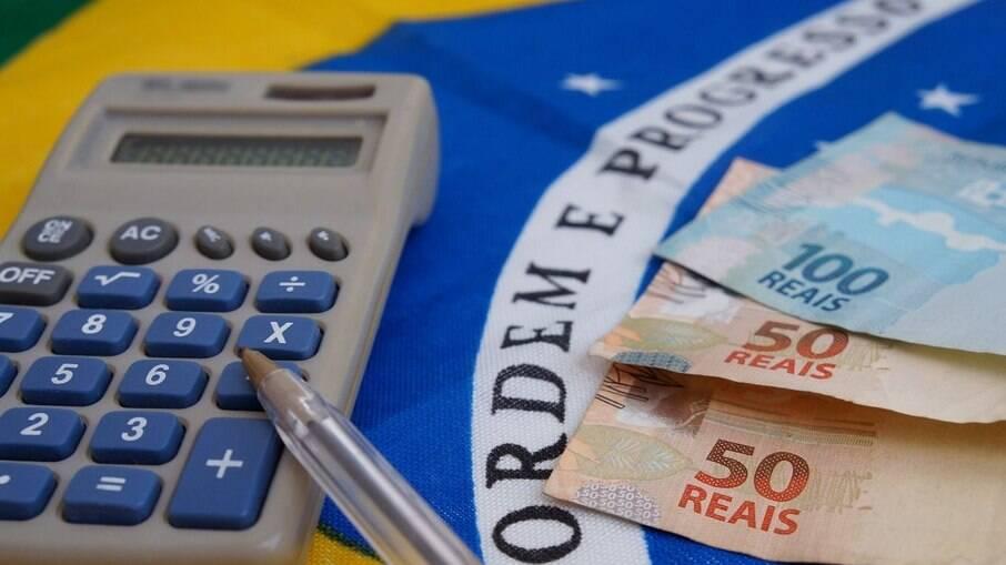 A estimativa para a inflação deste ano subiu de 5,97% para 6,11%, segundo o boletim Focus