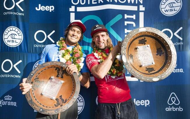 Connor O´Leary e Matt Wilkinson, vice e campeão da quinta etapa do circuito mundial de surfe