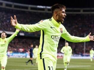 Neymar voltou a ser a estrela da noite, em pleno Calderón