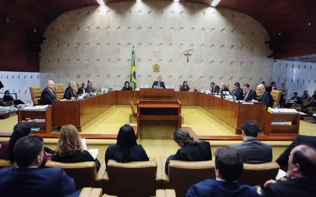 Ministros do Supremo recebem apoio de entidades jurídicas do Brasil