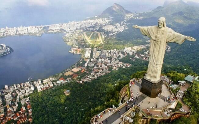 A cidade do Rio de Janeiro está repleta de turistas à espera da chegada de 2012