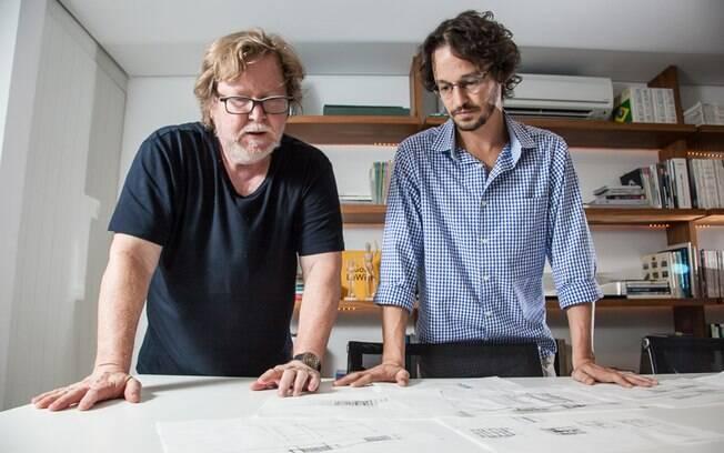 É total a integração entre pai e filho. Bernardo trouxe o rigor técnico à arquitetura de Paulo e valorizou a realização de maquetes