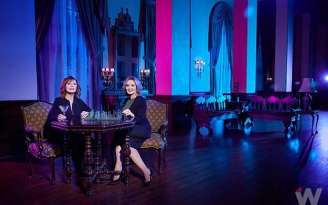 As melhores fotos de famosos de 2017: Susan Sarandon e Jessica Lange no set de gravação de ''Feud''. Foto: Reprodução/The Wrap