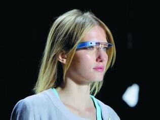 Futurista.  O Google Glass, por enquanto, só é vendido nos Estados Unidos e ainda para testes do fabricante