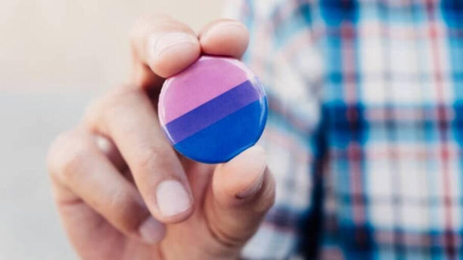 Pessoas bissexuais ainda são invalidadas dentro e fora da comunidade LGBT