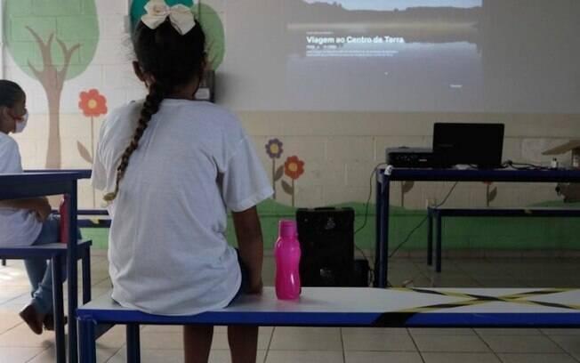Sem tempo para se organizarem, escolas abrem nesta quarta em Campinas