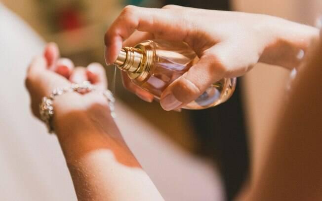 Antes de escolher o perfume é preciso analisar o gosto e personalidade do seu parceiro ou parceira