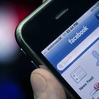 Facebook é um dos sites que usam tecnologia para detectar conversas suspeitas entre adultos e adolescentes