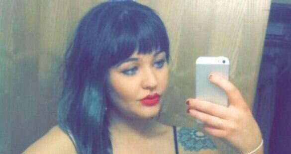 Jovem afirma ter sido demitida e sofrido assédio sexual por trabalhar sem sutiã