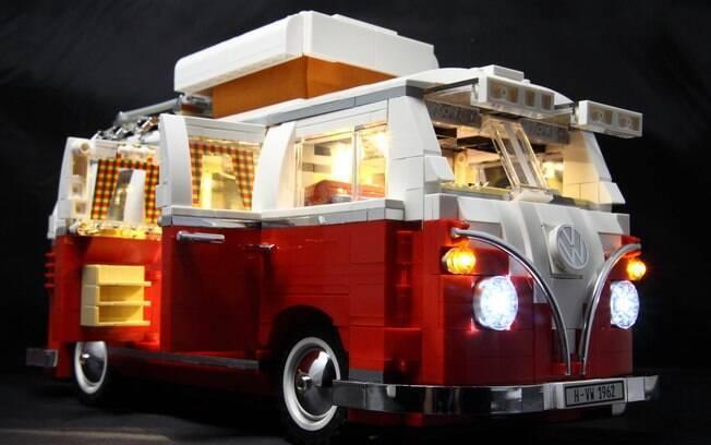 Pode até ter outras marcas que fazem miniaturas fiéis de carros, mas só a LEGO tem o seu charme